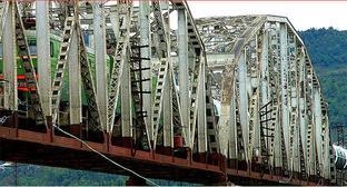 Железнодорожный мост, Грузия. Фото: http://www.railway.ge/?web=3&lang=rus