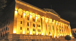 "Здание парламента Грузии. Фото Магомеда Магомедова для ""Кавказского узла"""