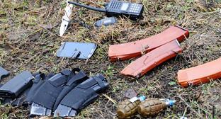 Вещественные докозательства - рожки с патронами, ручные гранаты. Фото: http://nac.gov.ru/nakmessage/2014/12/19/v-baksanskom-raione-kabardino-balkarii-neitralizovany-troe-boevikov-v-tom-chis.html