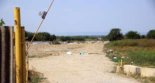 "Свалка мусора на окраине села. Фото Магомеда Магомедова для ""Кавказского узла"""