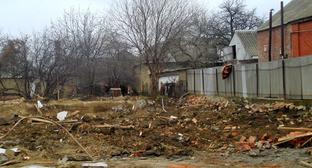 На месте одного из снесённых домов, принадлежащего семье боевика. Гудермесский район Чечни, декабрь 2014 г. Фото http://www.memo.ru/uploads/files/1579.jpg