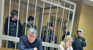 Тимирлан Цацаев и Аслан Каутаров в зале суда. Москва, 24 декабря 2014 г. Фото: Азамат Минцаев