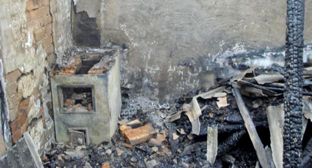 Дом, уничтоженный силовиками. Чечня. Фото  http://www.memo.ru/