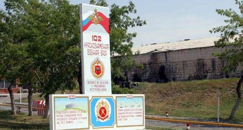 Стелла на территории воинской базы. Фото: http://www.azadliq.org/content/article/2132906.html