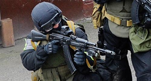 Силовики на спецоперации. Фото: http://nac.gov.ru/nakmessage/2014/12/19/v-baksanskom-raione-kabardino-balkarii-neitralizovany-troe-boevikov-v-tom-chis.html#