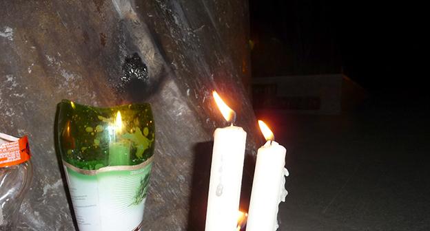 """Зажженные свечи в память о погибших в Гюмри. 14 января 2015 г. Фото Армине Мартиросян для """"Кавказского узла"""""""