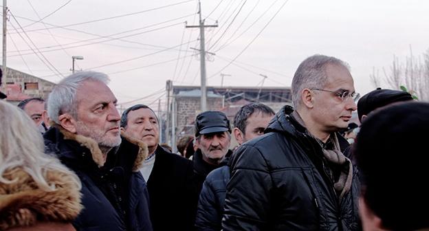 Депутат от АНК Арам Манукян (слева) и секретарь АНК Арарат Зурабян (справа) на панихиде. Фото Нарека Туманяна