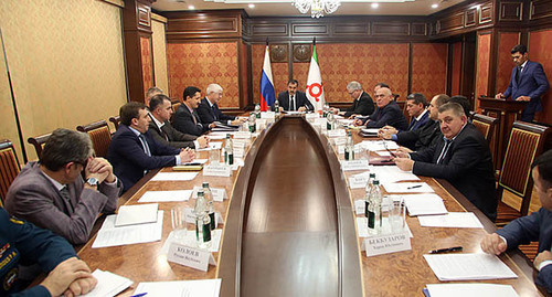 Заседание Совета Безопасности республики Ингушетия, ноябрь 2014. Фото: http://www.ingushetia.ru/m-news/archives/ZS1A32784.JPG
