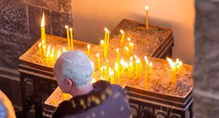 """Поминальные свечи в церкви Святого Ншана. Гюмри, 20 января 2015 г. Фото Нарека Тумасяна для """"Кавказского узла"""""""