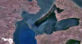 Керченский пролив. Вид из космоса. Фото: NASA - http://edcsns17.cr.usgs.gov/NewEarthExplorer/ https://ru.wikipedia.org