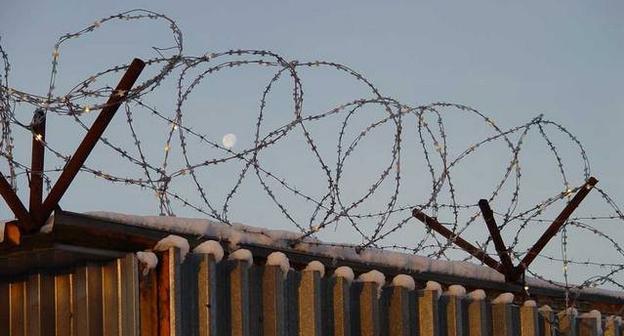 Ограждение  в исправительной колонии строгого режима. Фото: http://www.yuga.ru/news/243947/