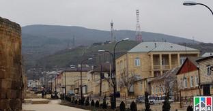 Улица Дербента. Фото: http://www.riadagestan.ru/news/g_derbent/v_ramkakh_podgotovki_k_prazdnovaniyu_yubileya_goroda_v_derbente_osmotreli_ryad_ulits/