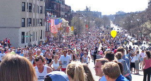 Бостонский марафон 2005 г. Фото: Pingswept https://commons.wikimedia.org