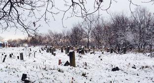 """Мусульманское кладбище. Фото Ахмеда Альдебирова для """"Кавказского узла"""""""
