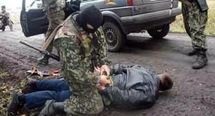 Задержание. Фото: http://bloknot-rostov.ru/news/pogranichniki-v-rostovskoy-oblasti-otkryli-strelbu-589514