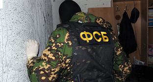 Сотрудник ФСБ на спецоперации. Фото: http://nac.gov.ru/nakmessage/2015/04/17/v-nalchike-neitralizovan-odioznyi-glavar-banditskogo-podpolya.html