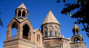 Эчмиадзинский кафедральный собор. Фото: Butcher https://ru.wikipedia.org