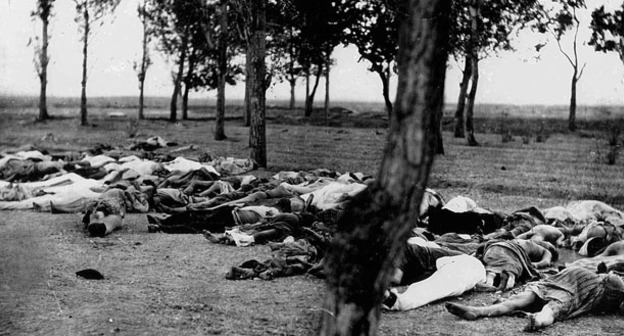 Армяне, уничтоженные в Алеппо. 1915 год. Фото https://ru.wikipedia.org/