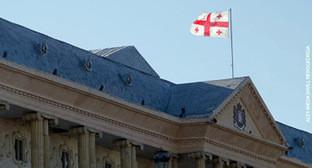 Флаг Грузии. Фото Александр Имедашвили, NEWSGEORGIA, http://newsgeorgia.ru/politics/20150427/217567298.html