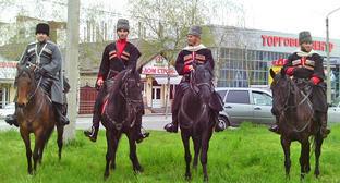 Конная экспедиция из Кабардино-Балкарии. Апрель 2015 г. Фото http://kbrria.ru/obshchestvo/v-nalchike-startoval-konnyy-perehod-po-mestam-boev-115-y-kavdivizii-7687