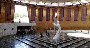 В центре зала Воинской славы расположен Вечный огонь на Мамаевом кургане. Фото: http://www.pravda34.info/?page_id=1209