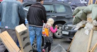 """Отец с дочкой. Чечня. Фото Магомеда Магомедова для """"Кавказского узла"""""""