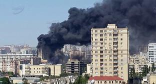 Пожар в многоэтажке, Баку. Фото: Yelena Aghamoghlanova, http://news.day.az/open/580281/?http://img.day.az/clickable/08/3/580281_02_03.jpg