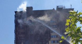 """Пожар в 16-этажном здании в Бинагадинском районе Баку. 19 мая 2015 г. Фото Фарида Арифоглу для """"Кавказского узла"""""""