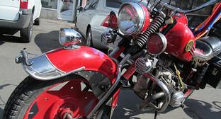 """Мотоцикл. Фото Тиграна Петросяна для """"Кавказского узла"""""""