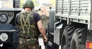 Сотрудник силовых структур во время проведения спецоперации в Нальчике. Фото: http://nac.gov.ru/nakmessage/2015/06/27/v-ingushetii-neitralizovany-dvoe-uchastnikov-mezhdunarodnoi-terroristicheskoi-.html
