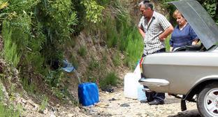 """Жители Алагира берут питьевую воду из горного источника. Июнь 2015 г. Фото Эммы Марзоевой для """"Кавказского узла"""""""