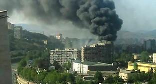 Пожар в Тбилиси. Фото: http://www.newsgeorgia.ge/na-meste-pozhara-v-tbilisi-najdeny-tela-dvuh-pogibshih/