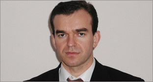 Кондратьев Вениамин Иванович. Фото: Максим Тишин / Югополис, http://www.yugopolis.ru/news/politics/2015/04/22/81114/otstavki-i-naznacheniya-administraciya-krasnodarskogo-kraya-veniamin-kondratev