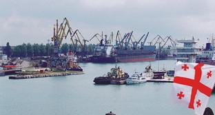 Гавань Поти. Фото: http://www.panarmenian.net/rus/news/166853/США_рассматривают_возможность_транспортировки_военных_грузов_из_Афганистана_через_порт_Поти