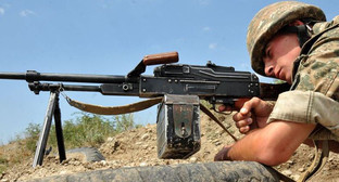 Солдат на передовой. Фото: http://rus.azadliq.mobi/a/26919490.html