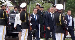 Премьер-министр Грузии Ираклий Гарибашвили и генеральный секретарь НАТО Йенс Столтенберг прибыли на церемонию открытия совместного учебного и оценочного центра НАТО – Грузия