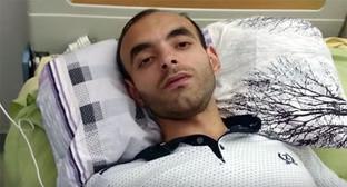 Расим Алиев в больнице 8 августа 2015 год. Фото: стоп-кадр видео MOV 0003, https://www.youtube.com/watch?t=10&v=wigU5a7vRHM