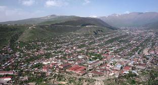 Город Горис, регион Сюник, Армения. Фото: http://rus.azatutyun.am/archive/New/20150629/3282/3282.html?id=27063626