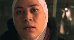 Сирийская журналистка и редактор подпольной газеты Enab Baladi Холуд Валид. Кадр из видео пользователя Chloe Fairweather https://vimeo.com/124692703