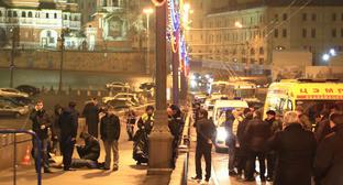 На месте убийства Бориса Немцова. Москва, 27 февраля 2015 г. Фото: Mikhail Sokolov (RFE/RL)