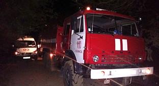Пожарный расчёт в станице Холмской. Фото: http://23.mchs.gov.ru/operationalpage/operational/item/3149394/