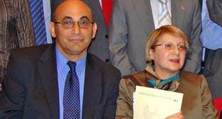 Лейла и Ариф Юнус. Фото: http://rus.azattyq.org/content/leila-arif-yunus-sud-v-baku/27131084.html
