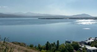 """Армения, озеро Севан. Фото: Армине Мартиросян для """"Кавказского узла""""."""