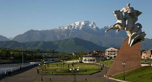 Вид на гору Столовая, Владикавказ. Фото: Menders, https://ru.wikipedia.org/wiki/Владикавказ