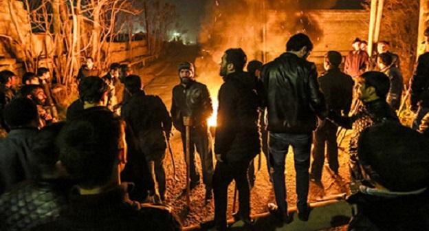 """Протестные выступления в посёлке Нардаран, Азербайджан, 26 ноября 2015 года. Фото: Азиза Каримова для """"Кавказского узла""""."""