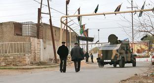 Спецоперация возле площади Имама Али в Нардаране. 1 декабря 2015 г. Фото Азиза Каримова