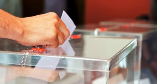 Урна для голосования на референдуме в Армении 6.12.2015. Фото: http://vestnik.am/?view=search&search=референдум%206%20декабря&page=13
