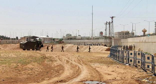 Граница Турции и Сирии. Фото: http://russian.irib.ir/news/ближний-восток/item/265294-bild-о-турецких-закупках-нефти-у-игил-россия-оказалась-права