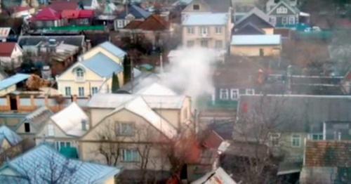 Место проведения спецоперации на улице Циолковского. 15 января 2016 года. Фото: скриншот из видеозаписи очевидца спецоперации, Youtube.com