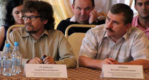 Валерий Бриних (справа) Фото: http://president-sovet.ru/presscenter/news/read/2578/